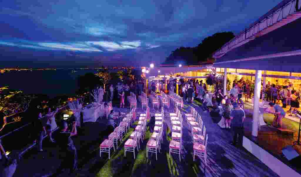 40995rooftop-venues-for-party-in-singapore---sky-garden.png